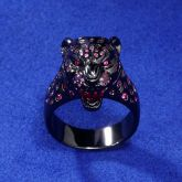 Roaring Purple-Red Stones Leopard Ring in Black Gold