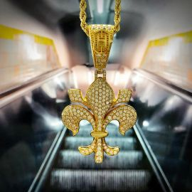 Iced fleur-de-lis Pendant in Gold