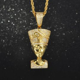 Nefertiti Pendant in Gold