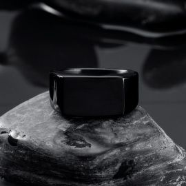 Retro Rectangle Stainless Steel Ring in Black