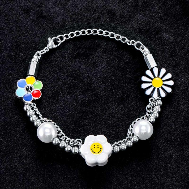 Daisy Smile Face Pearl Bracelet