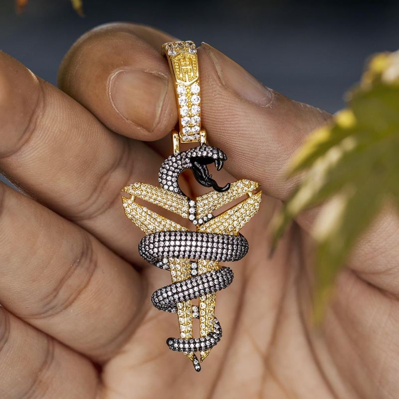 Helloice Iced Snake with Sheath Memorial Pendant in Gold