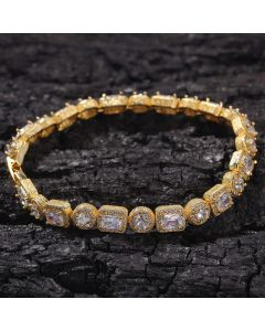 "8mm 8"" Round and Baguette Cut Bracelet in 18K Gold"